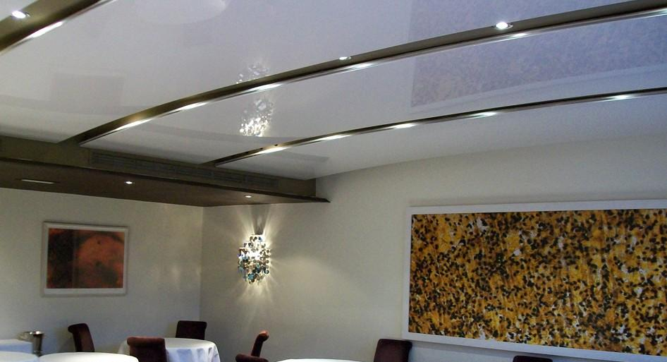 stretch-suspended-bar-restaurant-ceiling-image-2
